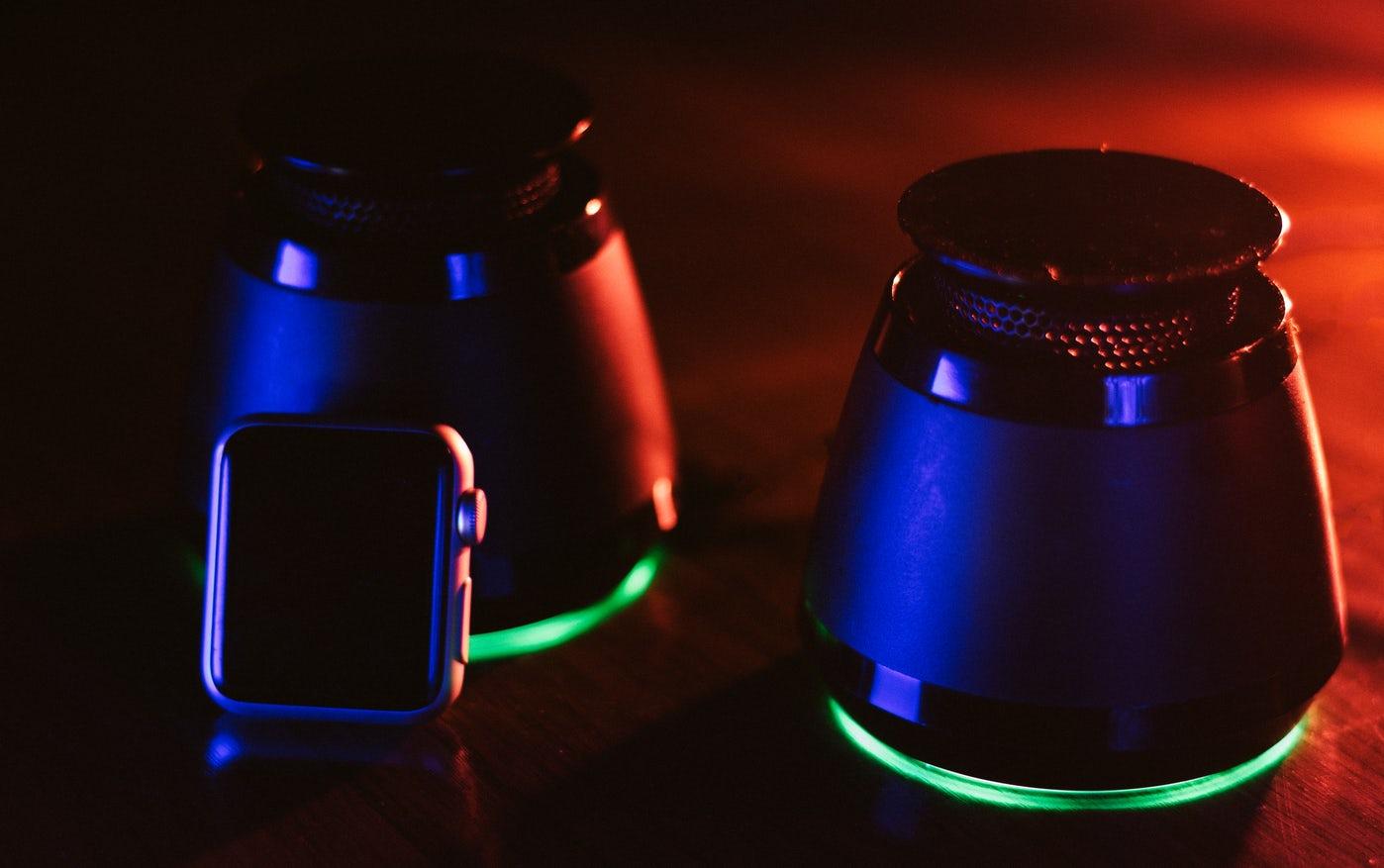 Bluetooth højttalere med flot baggrundsbelysning